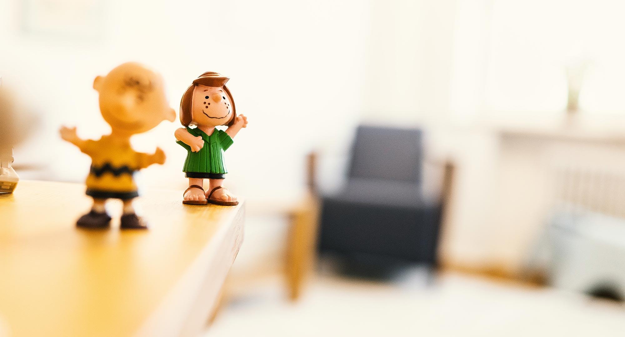KJPP Praxis Gabriele Griep - kleine Figuren Lucy und Charlie Brown